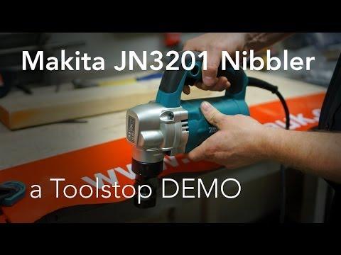Makita JN3201J Nibbler - Toolstop DEMO