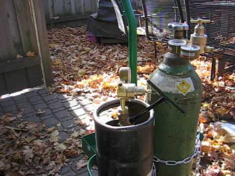 Setting up and firing a new oxy-acetylene torch kit