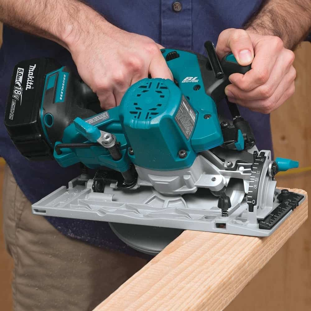 Cutting angles with Makita cordless saw