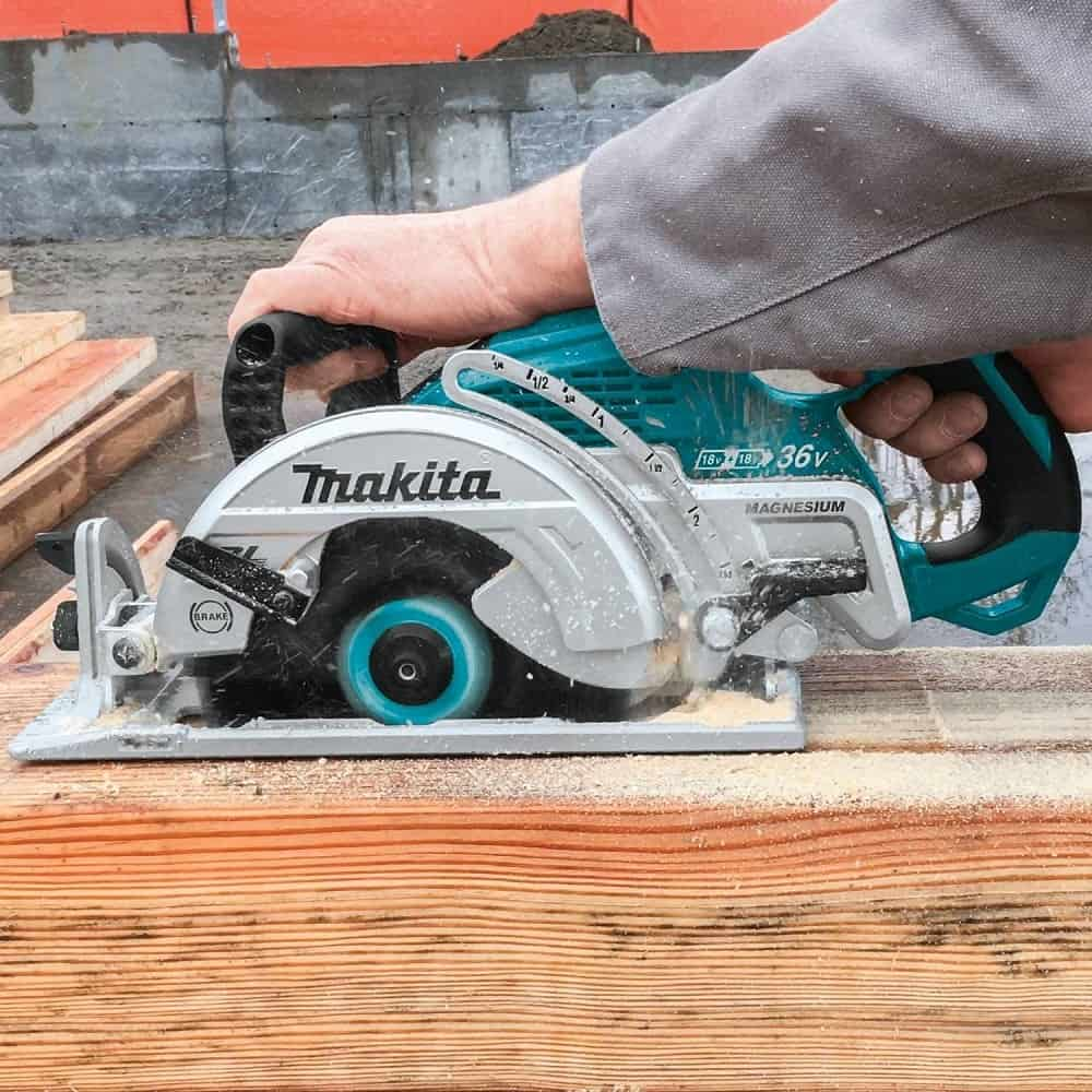 Cutting thick wood with two battery makita circular saw