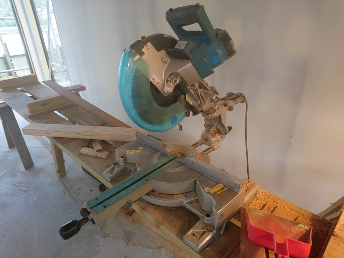 Exapmle of Plank Work Bench With Sliding Miter Saw