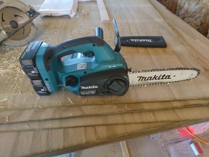 Cordless Makita Chainsaw