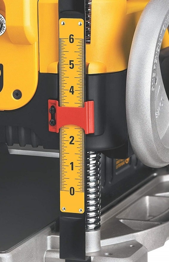 Reading The Dewalt Depth Adujstment On Thickness Planner