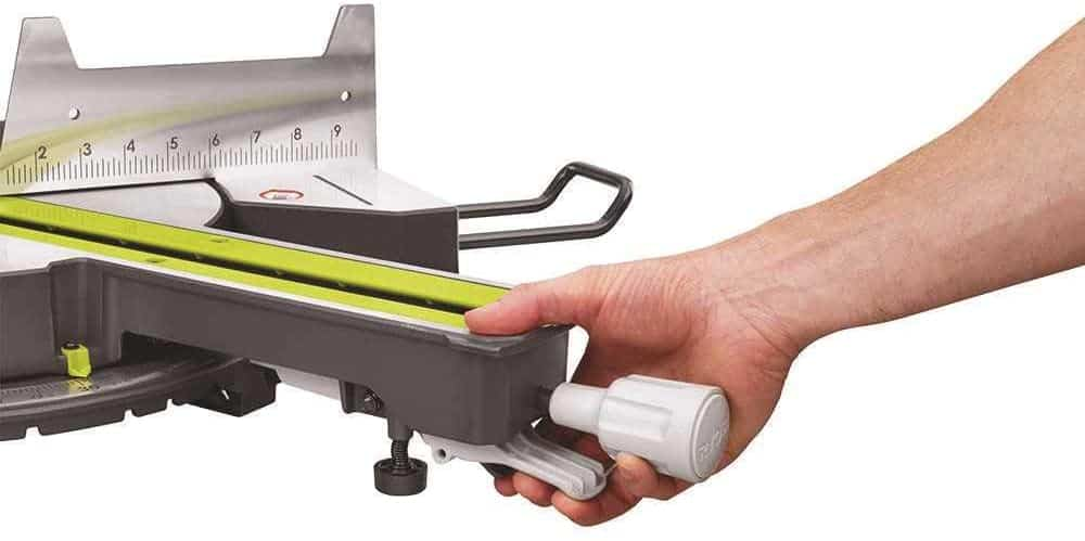 Changing cutting angle on sliding miter saw