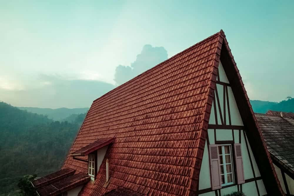 Steep roof for snowing enviroment