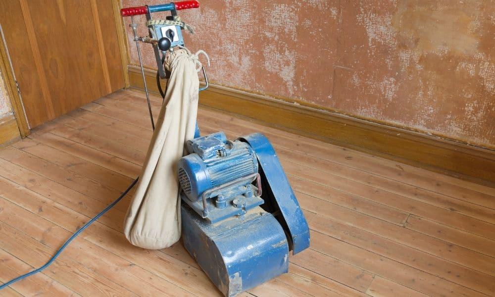 Wooden floor sander