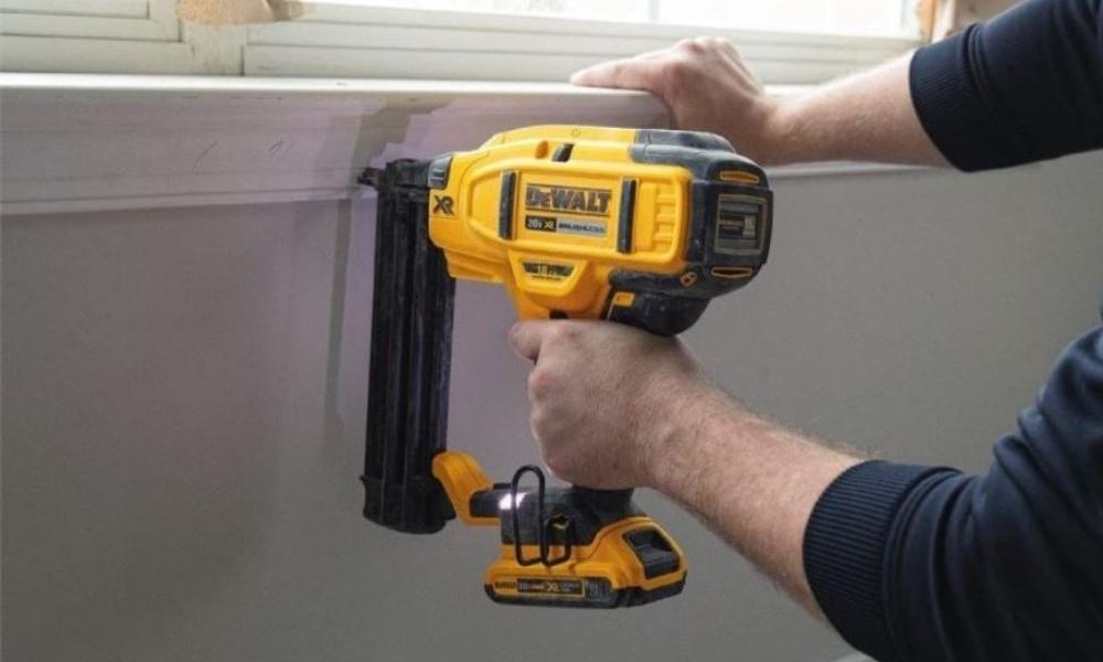 Using DeWalt DCN680D1 brad nailer