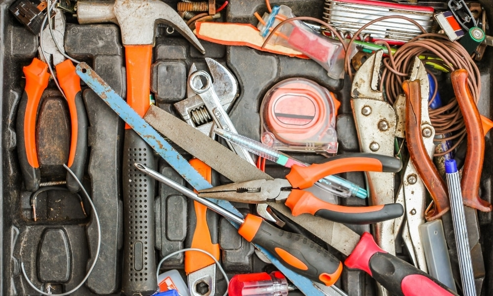 Various hand tools for beginners