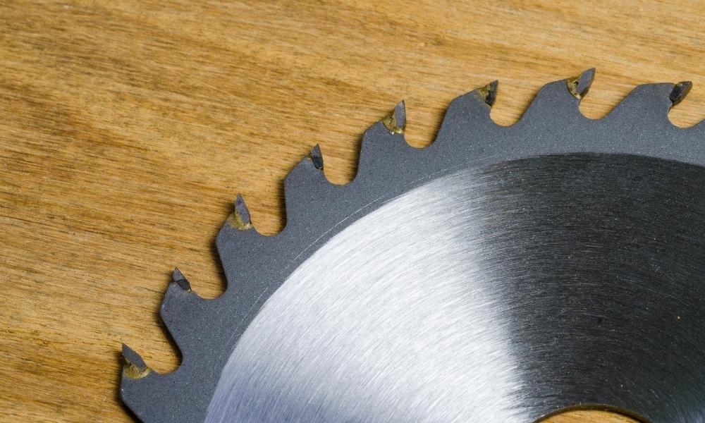 Close up circular saw blades for aluminum cutting