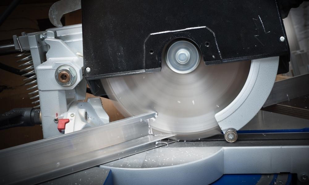 Cutting aluminum tube with circular saw 1