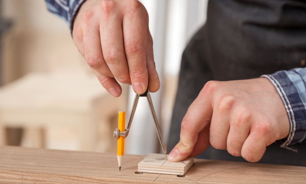 How to cut wood without power tools?