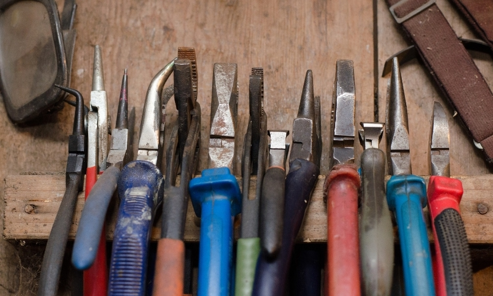 Different types of pliers