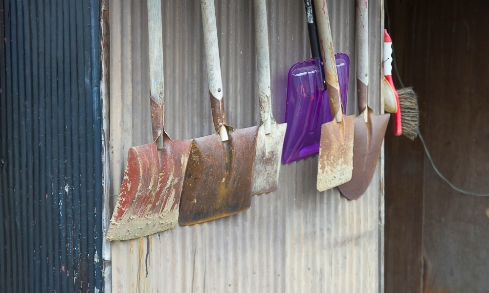 Different types of shovels 1