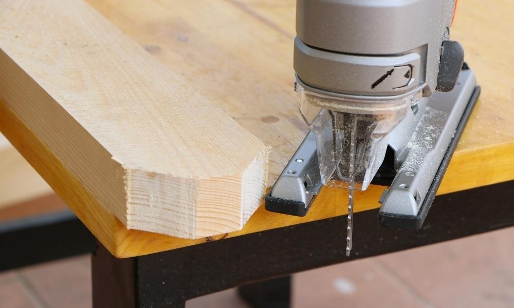 Jigsaw cutting wood edges