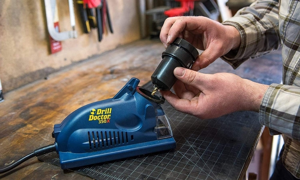 Sharpening a drill bit with drill doctor