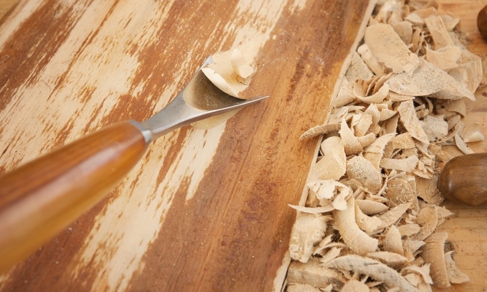 Carving with a u gouge chisel blade