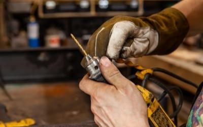 Changing a drills drill bit